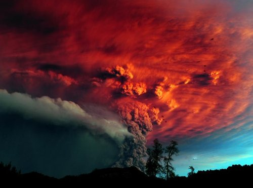 Chiles_puyehue_volcano_spews_c
