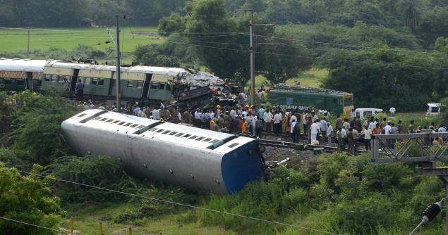 Trains collide, Arakkonam, Vellore 02