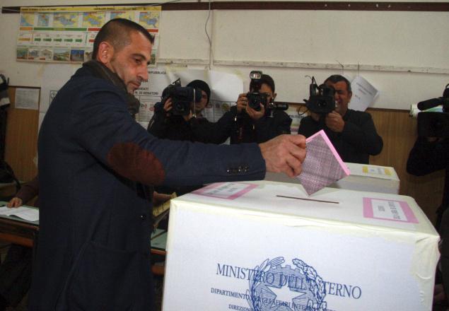 Italian marine Massimiliano Latorre votes at a polling station in Taranto, Italy -Photo: Thi Hindu