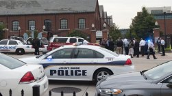 Washington DC navy yard shooting 02