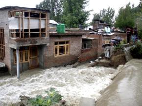 01 Flooded houses in Srinagar