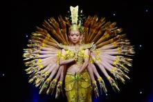 07 Deaf dancers perform 'Avalokitesvara Bodhisatva' -2009