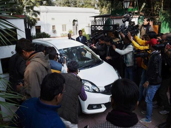 Advani arives at MM Joshi house